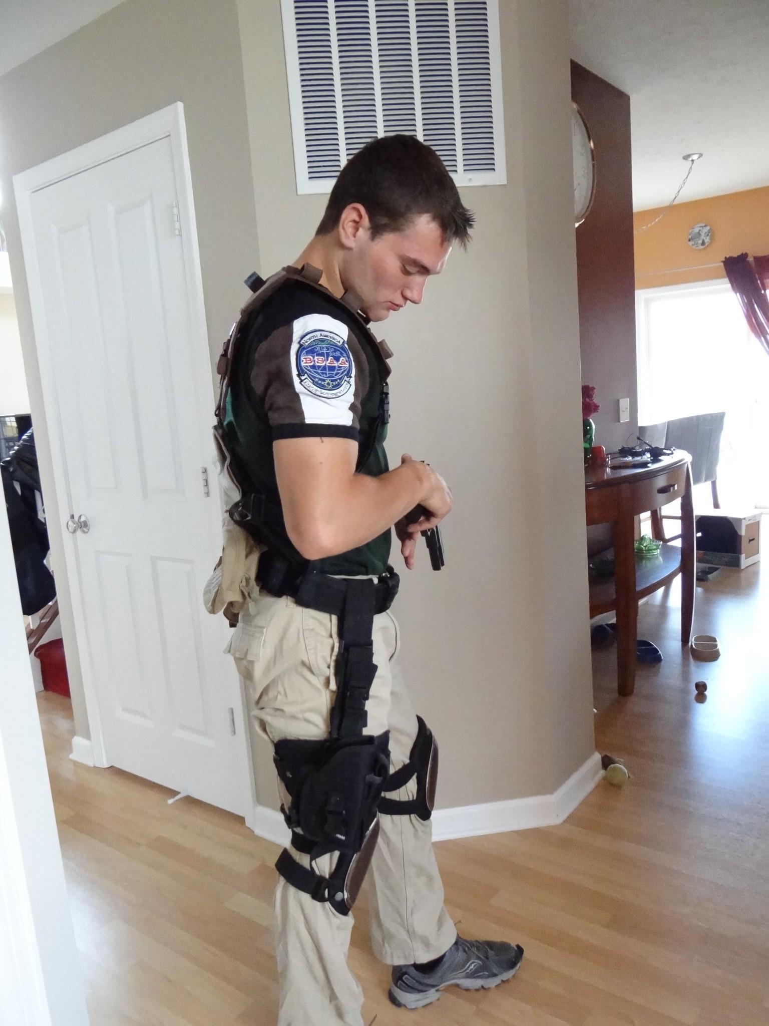 Chris Redfield, Resident Evil – Cosplay4UsAll | 1536 x 2048 jpeg 526kB