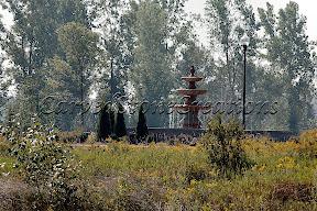 Exterior, Fountains