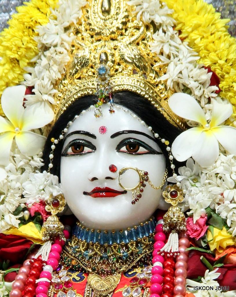 ISKCON Juhu Sringar Deity Darshan 22 Nov 2016 (27)