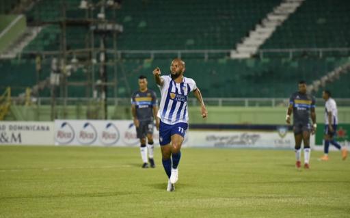 Universitarios disponen de Atlético Pantoja 2-1