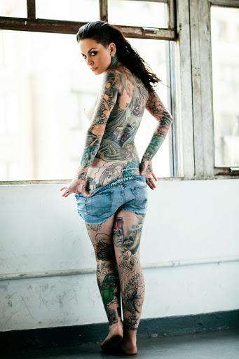 pretty girls with tattoos