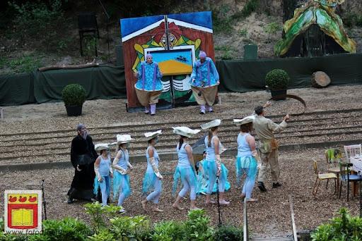 Alice in Wonderland, door Het Overloons Toneel 02-06-2012 (30).JPG