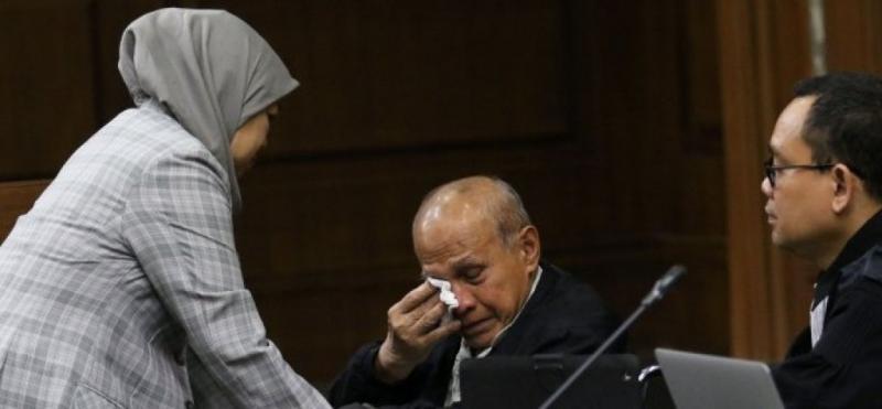 Demi Jabatan, Prabowo Biarkan Kivlan Zen Jadi Pesakitan