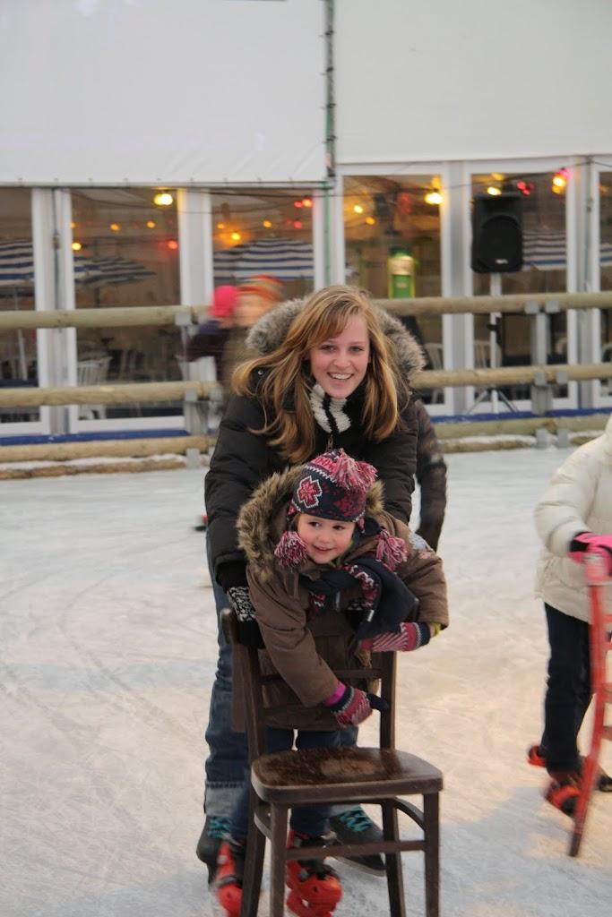 Sinterklaas bij de schaatsbaan - IMG_0287.JPG