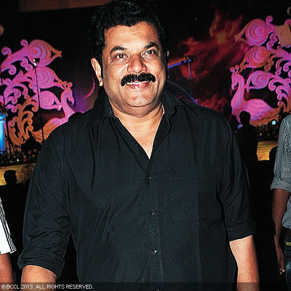 Mukesh during Vinu Mohan, Vidya's wedding reception held in Kerala.