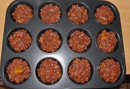 muffinki czekoladowe z brzoskwiniami