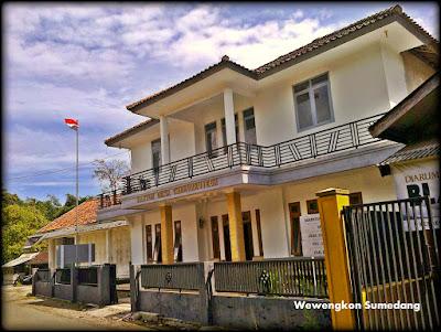 Kantor Desa Cibeureuyeuh