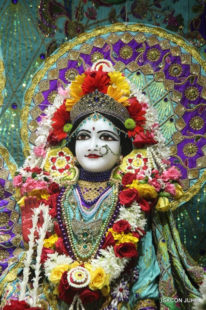 ISKCON Juhu Sringar Deity Darshan on 24th July 2016 (32)