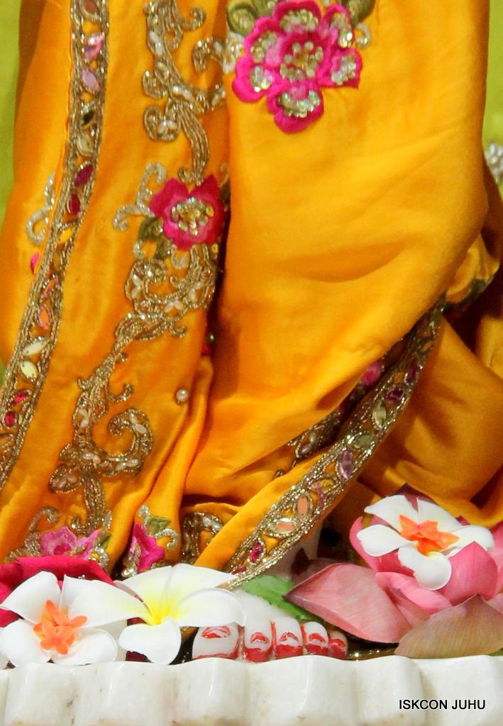 ISKCON Juhu Mangal Deity Darshan on 12th Sep 2016   (29)