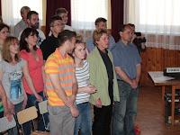 03 Állva énekelték a Nemzeti dalt.jpg