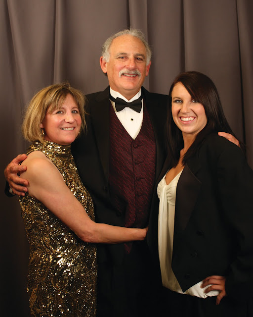 2010 Commodores Ball Portraits - CoupleDaughterBest.jpg