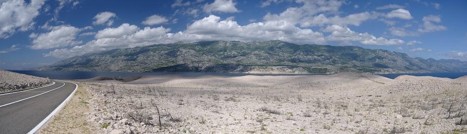 Steinwüste auf der Insel Pag