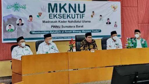 Mendes PDTT Halim Iskandar Berikan Arahan di MKNU Eksekutif PWNU Sumbar