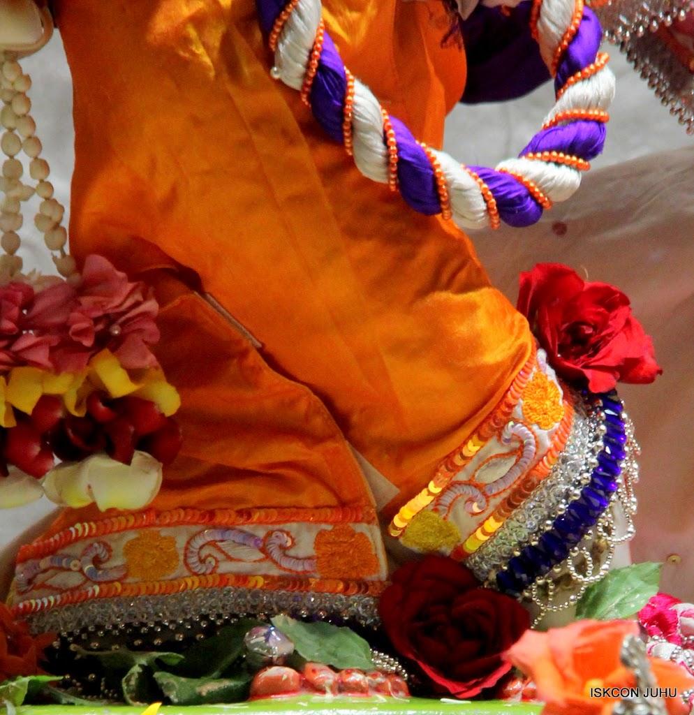 ISKCON Juhu Sringar Deity Darshan on 11th Aug 2016 (12)
