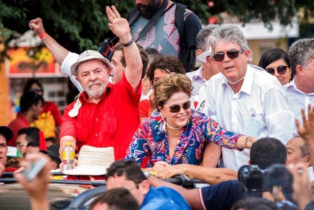 Eles que peçam a Deus para eu não ser candidato, diz Lula no Nordeste