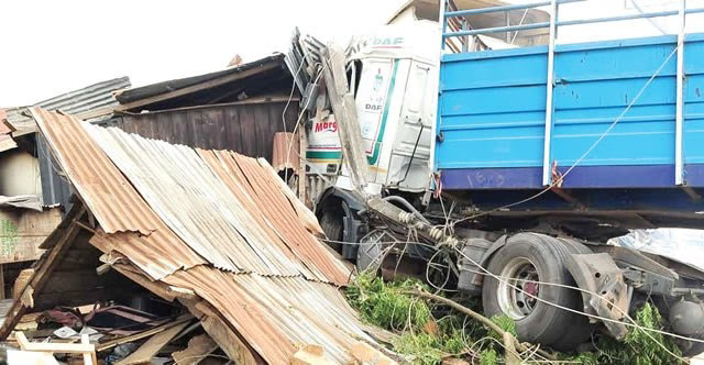 VIDEO: Cement Truck Crushes AAUA Students, Pregnant Woman, Others To Death In Ondo