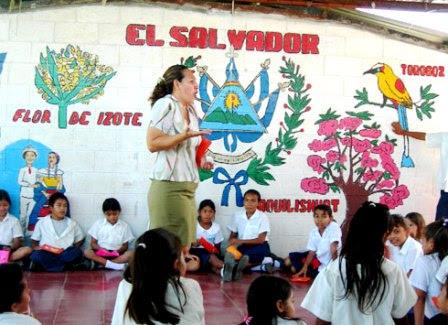 Día del maestro en El Salvador