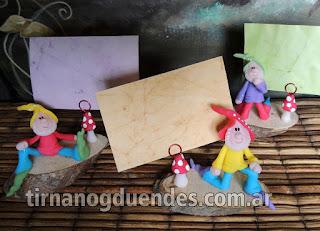 Enanitos tarjetero Simpaticos gnomitos para dedicar o souvenir Venta por mayor y menor www.tirnanogduendes.com.ar
