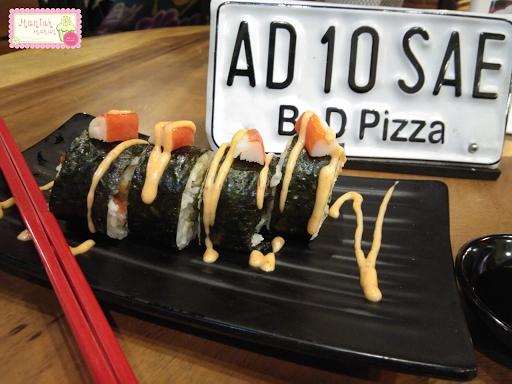 maniak-makan-bnd-pizza-solo-japanese-food-katsu-crab-sushi