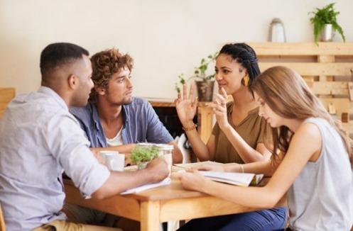 Em uma conversa há uma grande possibilidade de ter bons acordos