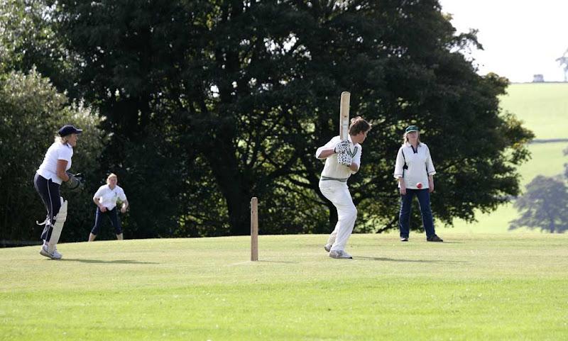 Cricket-Ladies15