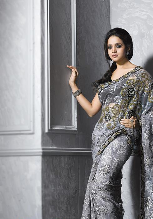 Bhavana Menon Dazzling Look-hot stills in Saree pic