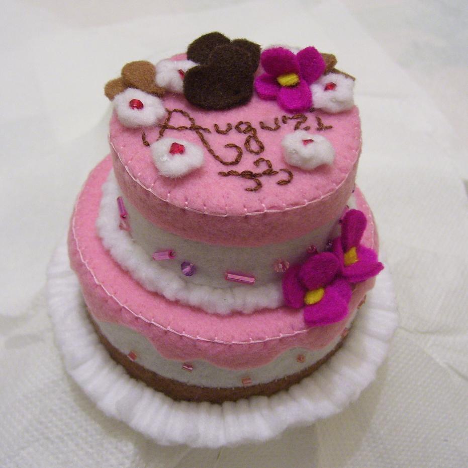 Attimi di magia una torta da nozze for Piani ed elevazione di due piani