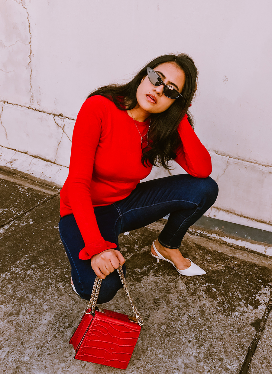 RED SWEATER AND BLUE JEANS - CASUAL  OUTFIT