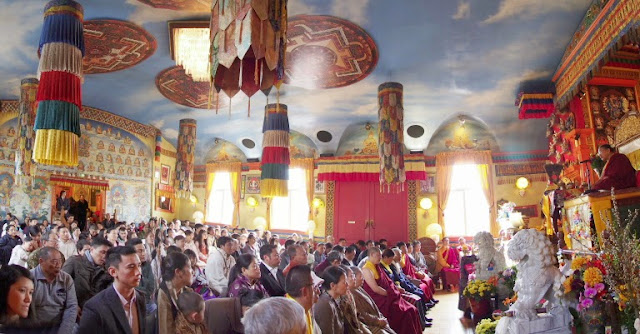 TAW Audience with HH Sakya Trizin Photos - Panocc96.JPG
