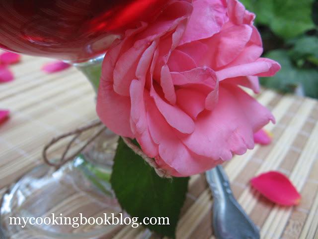 Махалепи (Mahalepi) с аромат на рози