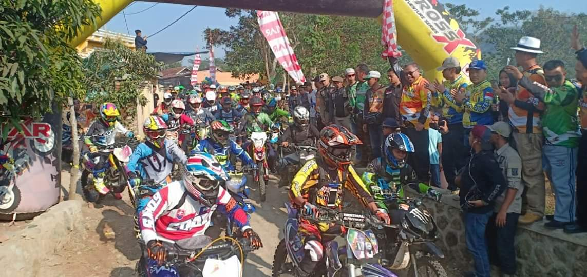 Bupati Sukabumi Angkat Bendera Start Pelakor Trail Adventure di Ajang One Day Adventure Anniversary 1