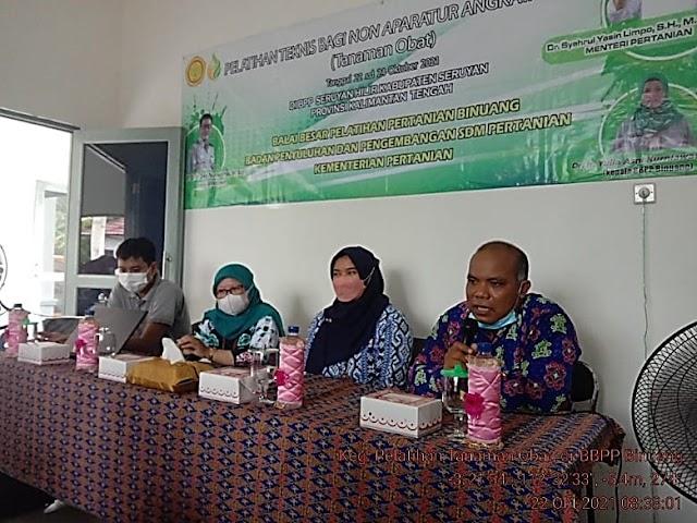 Bantu Jaga Imun di Masa Pandemi, BBPP Binuang Kenalkan Tanaman Obat dan Manfaatnya ke Petani di BPP Seruyan Hilir melalui Pelatihan