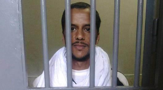 المعتقل السياسي الصحراوي محمد لمين عابدين هدي يضرب إنذاريا عن الطعام و يدين استهداف إدارة السجن لحقوقه الأساسية