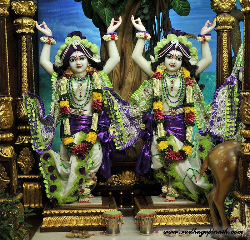 ISKCON Chowpatty Deity Darshan 08 April 2016 (1)