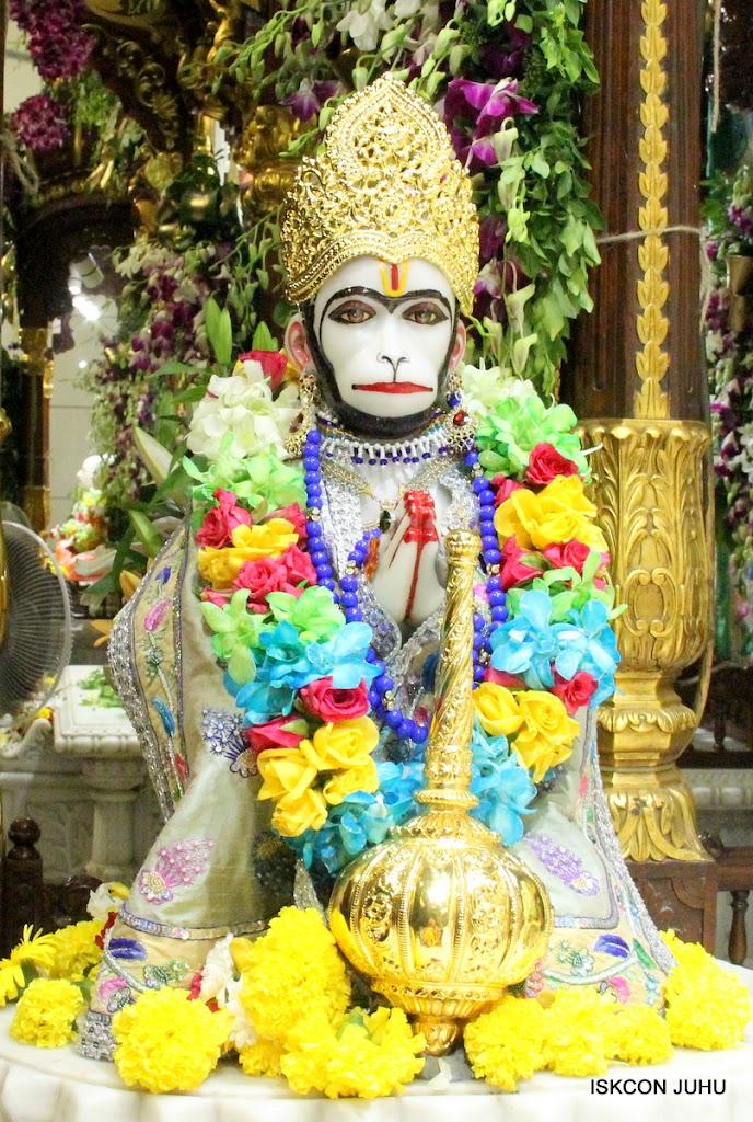 ISKCON Juhu Sringar Deity Darshan on 26th Aug 2016 (56)