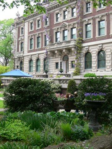 The Cooper-Hewitt garden is a quiet refuge on bustling Fifth Avenue
