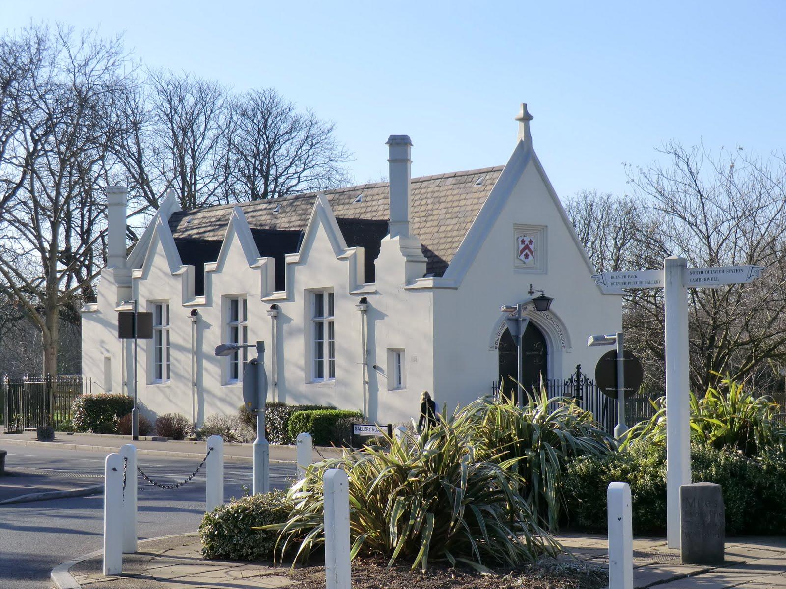 CIMG1582 Old Grammar School, Dulwich Village