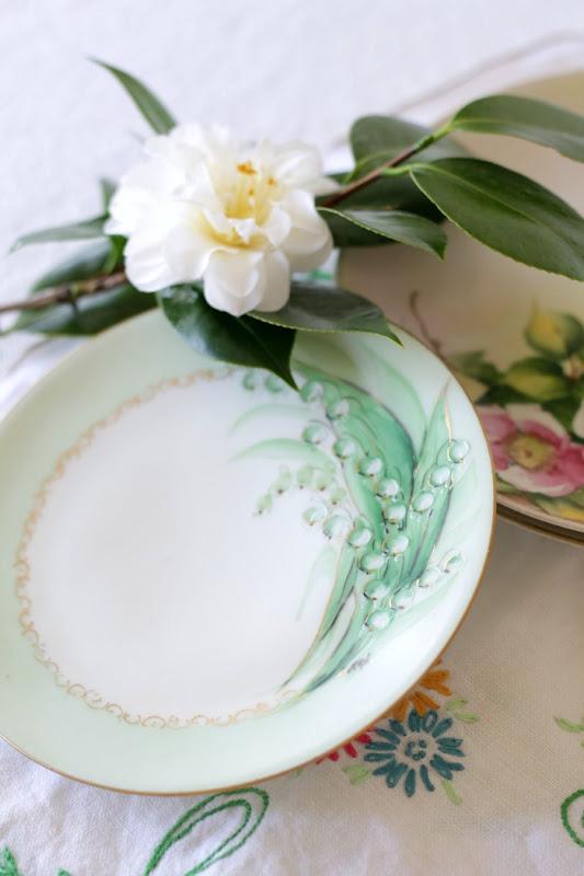 Vintage Keepsakes Plate