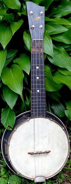 Richter manufacturing Co. Banjo Ukulele Banjolele