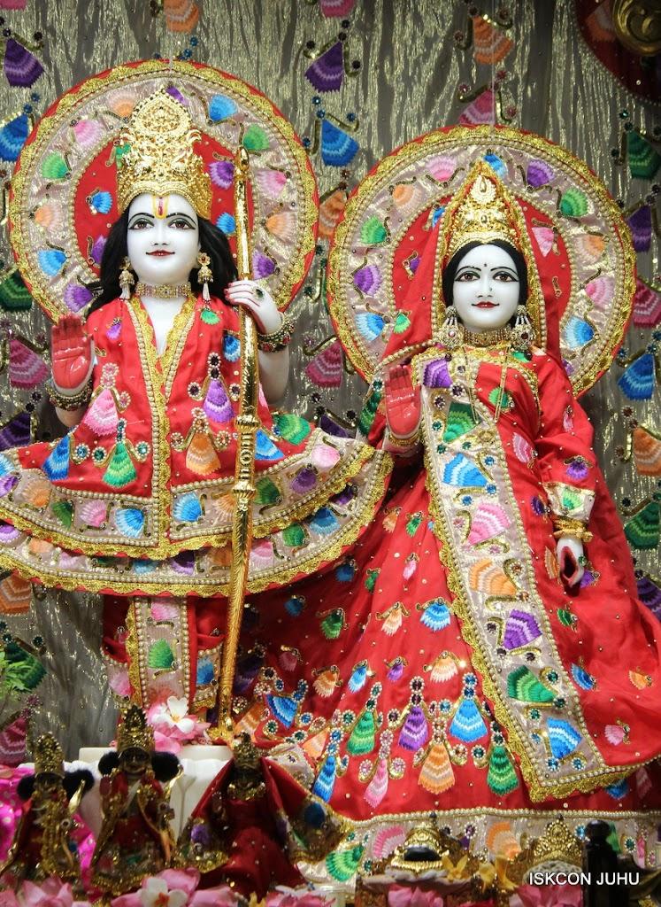 ISKCON Juhu Mangal Deity Darshan on 28th Aug 2016 (9)