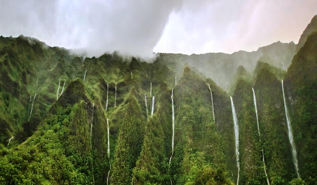 Thousand Waterfalls, Oahu, Hawaii