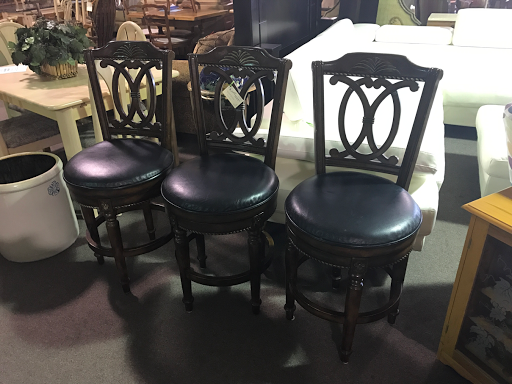 Posted By Design Furniture Consignment At 2:14 PM 14 Comments