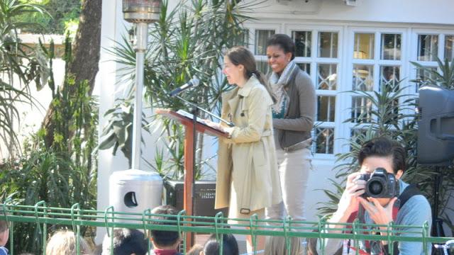 Ambassador Gavin introducing the first lady