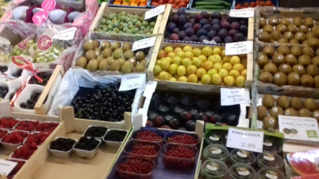 De Kleuters maken zelf een fruit- en groentewinkel. - 3.jpg