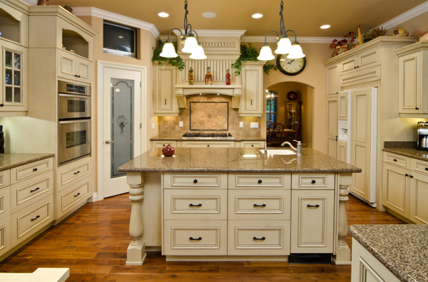 Hometary: Kitchens With Antique White Cabinets - Painting ...