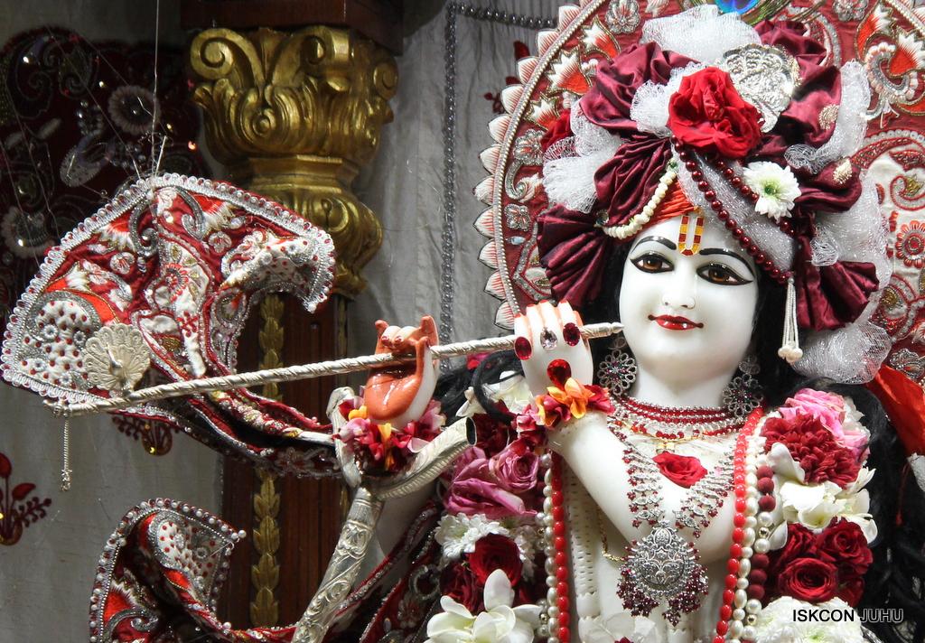 ISKCON Juhu Sringar Deity Darshan on 30th Sep 2016 (33)