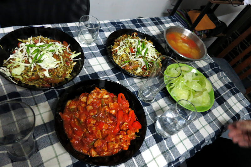 Burmese food cooked by Hong Sar