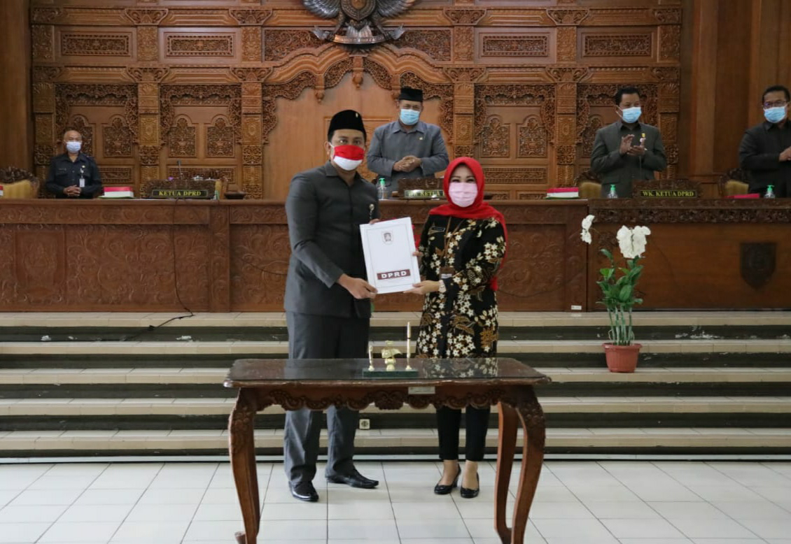 Sidang Paripurna DPRD Klaten, Kompak 7 Fraksi Setujui Dua Raperda dan Ucapkan Selamat Atas Kemenangan Paslon Mulyo Pada Pilkada Serentak 2020