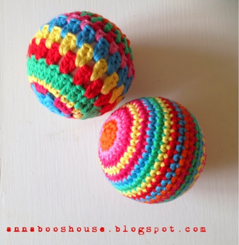 Free Amigurumi Ball Pattern : Annaboos house: The one with the crochet balls