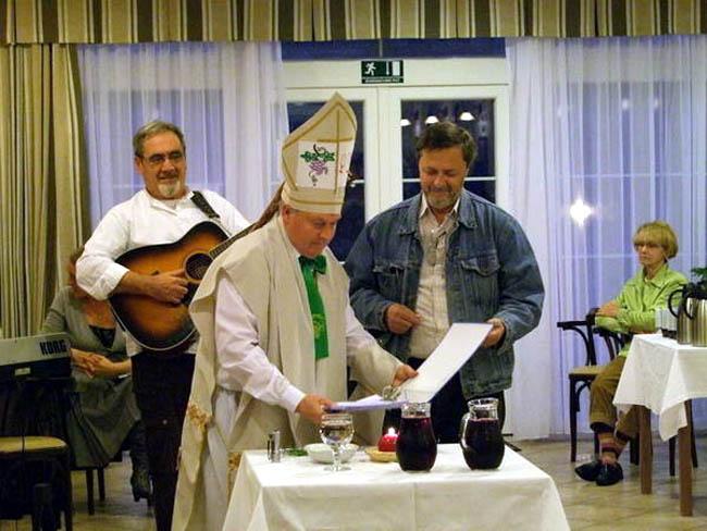 Krštenje mošta u Domu za osobe treće životne dobi 'Oaza,' Ključić Brdo